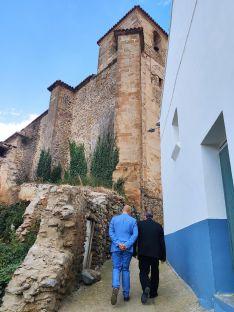 Foto 4 - El Obispo visita Fuentes de Ágreda y bendice las obras de rehabilitación de la parroquia
