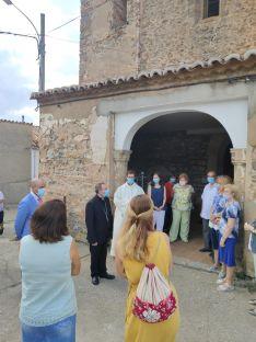 Foto 6 - El Obispo visita Fuentes de Ágreda y bendice las obras de rehabilitación de la parroquia