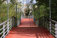 Pasarela peatonal sobre el Duero para acceder al parque de La Arboleda.