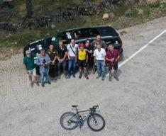 Foto 5 - Vuelta a España: Perico Delgado sube a la Laguna Negra para RTVE