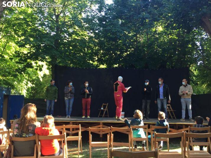 Foto 1 - GALERÍA: Teatro de calle en la Dehesa