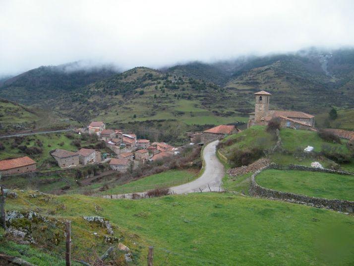 Foto 1 - El cierre de la carretera de Santa Inés a La Rioja 'corta' el turismo hacia Pinares y la provincia
