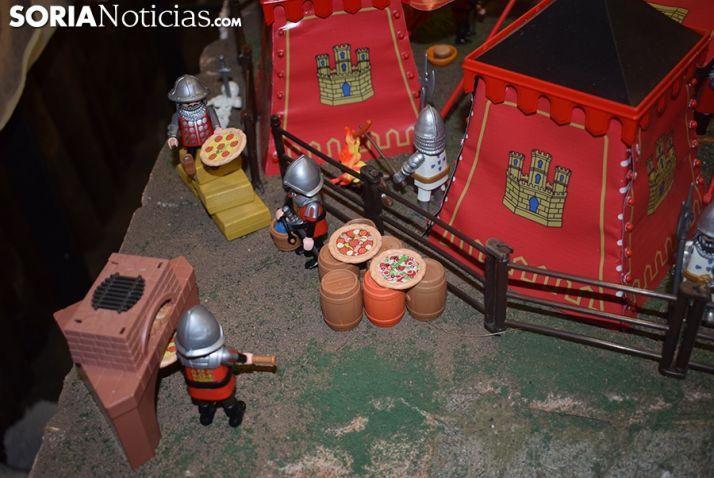 Un reto veraniego: descubrir los muñecos intrusos que hay en la exposición de playmobil 'La batalla de las Navas de Tolosa' de Garray