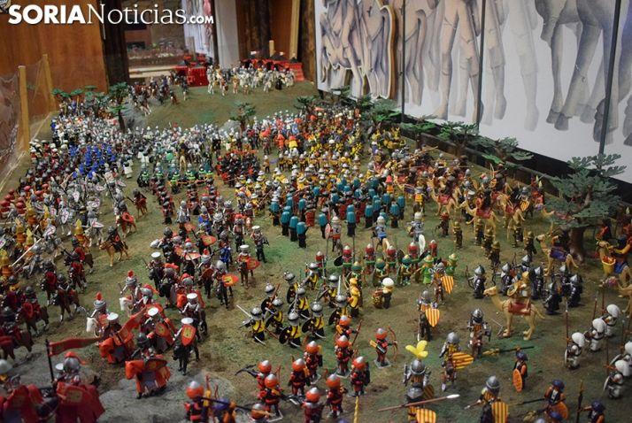 Foto 2 - Un reto veraniego: descubrir los muñecos intrusos que hay en la exposición de playmobil 'La batalla de las Navas de Tolosa' de Garray