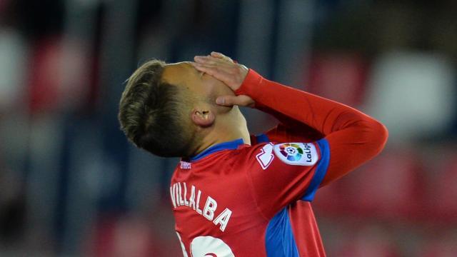 Fran Villalba se lamenta después de una jugada.