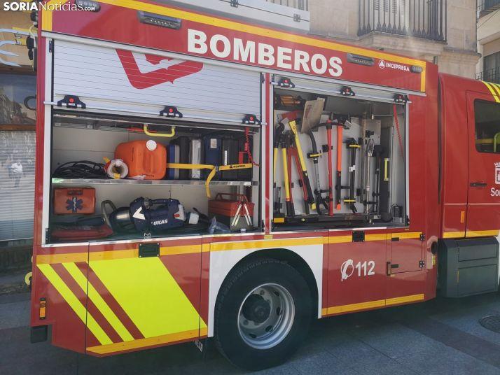 Foto 2 - Unos desprendimientos de una fachada provoca el cierre de la calle Zapatería en la capital soriana