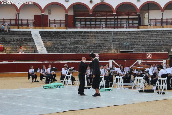 GALERÍA: Orquesta de malabares con la Banda Municipal