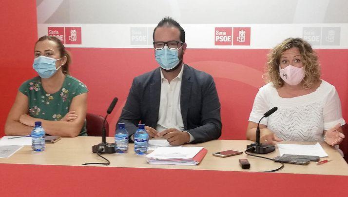 Barcones (izda.), Hernández y Villar este miércoles en rueda de prensa.