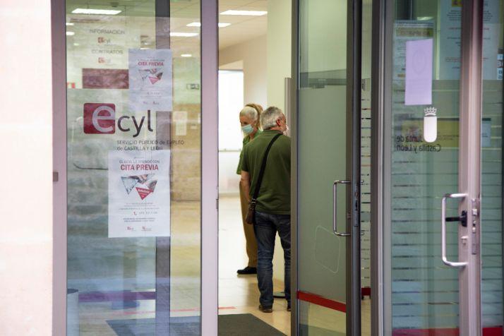 Foto 1 - Últimos días para solicitar las ayudas de la Junta a los trabajadores afectados por un ERTE