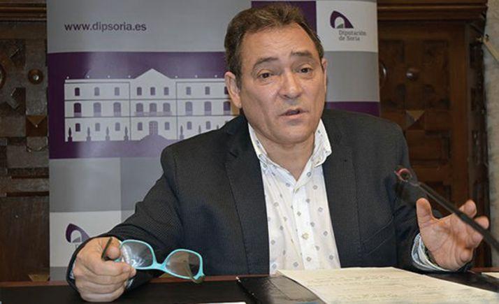 Saturnino de Gregorio, diputado de área.