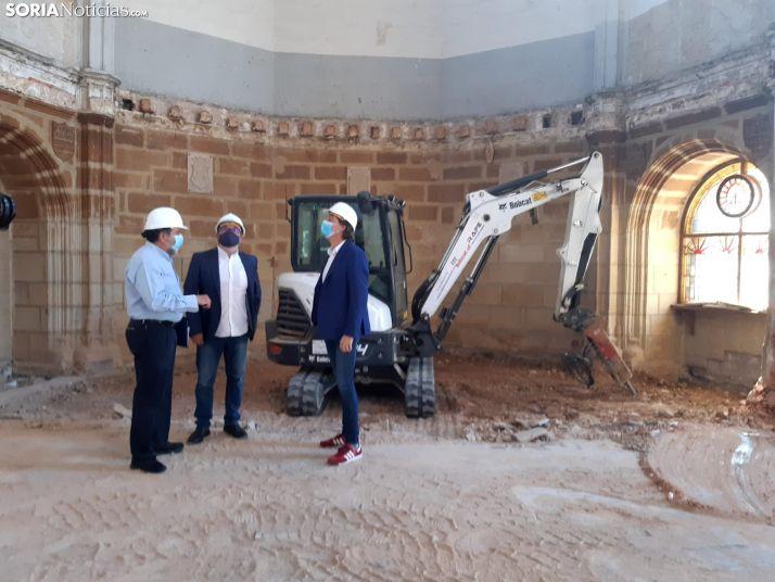 La obras en el antiguo cuartel de Santa Clara descubren una necrópolis con varios enterramientos