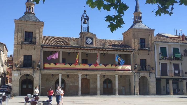 El balcón de El Burgo de Osma en fiestas. Agustín del Pino
