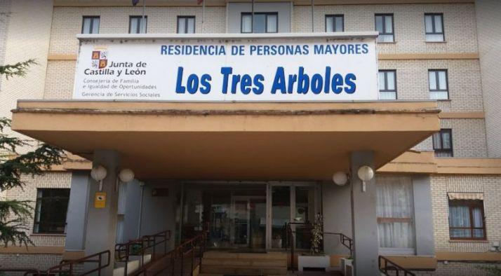 Foto 1 - La Junta no prohibe las visitas a las residencias en Zamora por no haber brotes de coronavirus