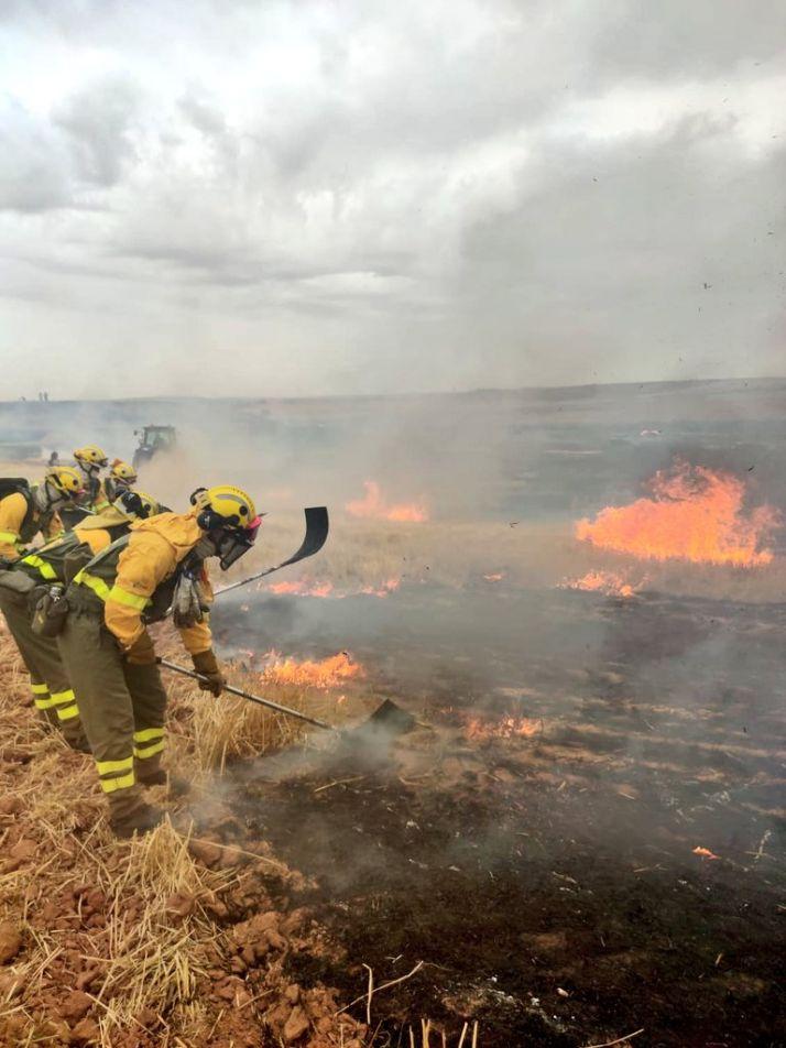 Fotos del fuego en Tapiela. Brif Lubia