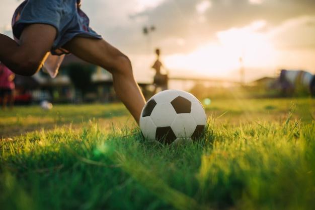 Foto 1 - La Real Federación Española de Fútbol reflexionará el lunes sobre el inicio de las competiciones oficiales no profesionales
