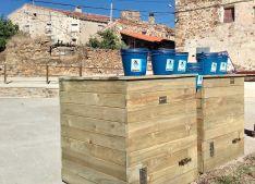 Foto 6 - Amatex dona dos composteras a Amigos de Sarnago