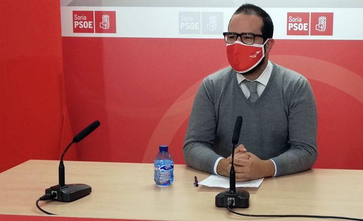Ángel Hernández, en rueda de prensa este lunes.