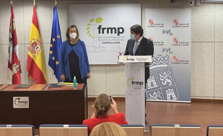 Armisén y Suárez Quiñones, este viernes en la firma del acuerdo. /Jta.