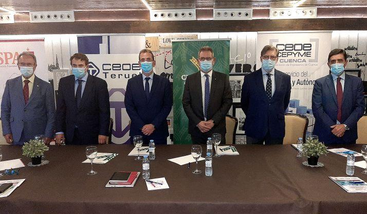 Representantes de las partes implicadas en el convenio. /FOES