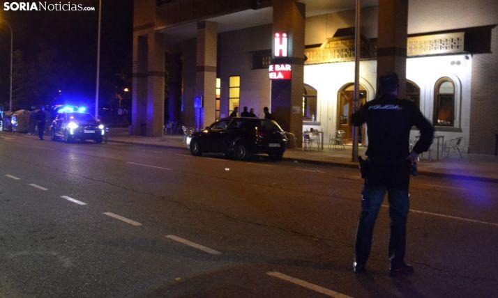 AMPLIACIÓN: La Policía Nacional desaloja el bar Vela por una amenaza de bomba