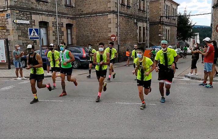 Foto 1 - Desafío Urbión cumple con el reto y culmina los 81 kilómetros para ASPACE
