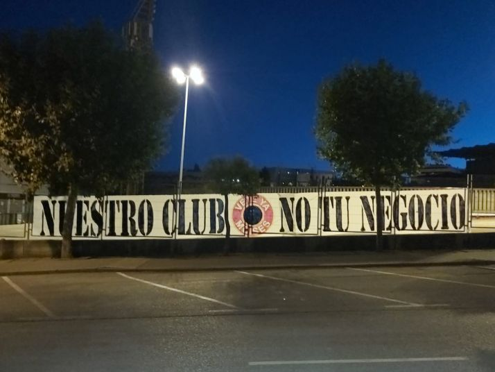 Pancarta del Orgullo Numantino en Los Pajaritos. /ON