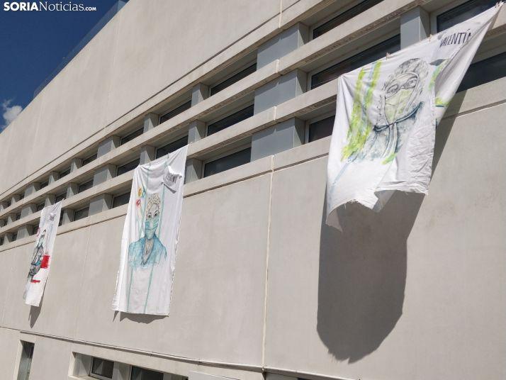 Foto 2 - Fotos: Arte para dar las gracias a los sanitarios que luchan contra el Coroanvirus