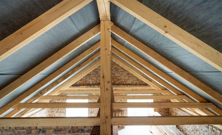 Foto 1 - El curso de construcción de entramado ligero de madera en Duruelo, al completo