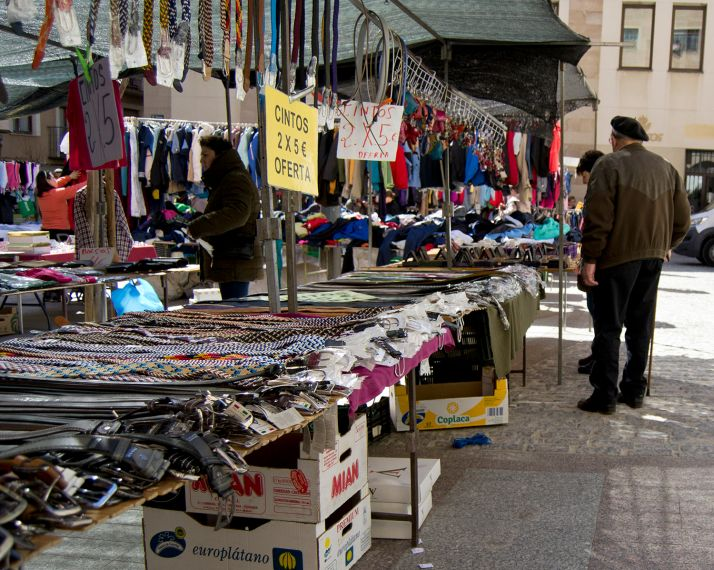 Foto 1 - El mercadillo de ropa vuelve a Soria