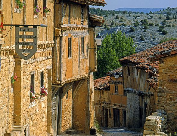 Foto 1 - Calatañazor, uno de los 5 pueblos más antiguos de España para elconfidencial.com