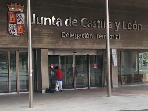 Foto 1 - La Junta abre la consulta previa para elaborar un decreto para regular las oficinas de asistencia en registros