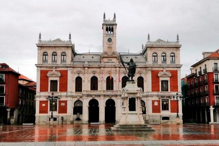 La capital vallisoletana bajo la lluvia.
