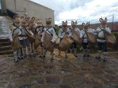 Zarrones del carnaval de Borobia.