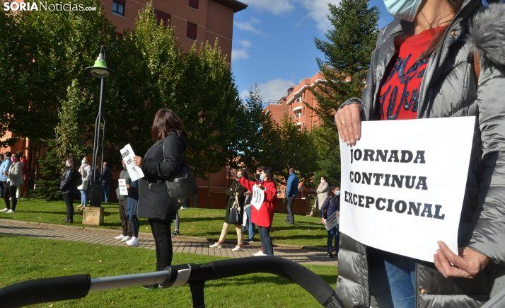 Concentración en Los Escolapios, Soria.
