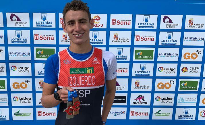 Alfonso Izquierdo con sus medallas este fin de semana.