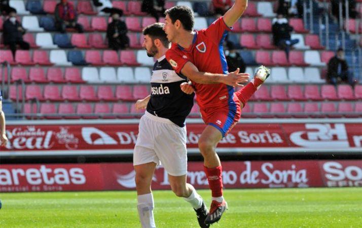 Foto 1 - Asier Benito no estará ante el Sporting B