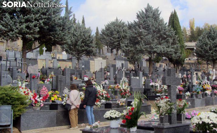 Foto 1 - Así es la regulación para el acceso a los cementerios en Todos los Santos