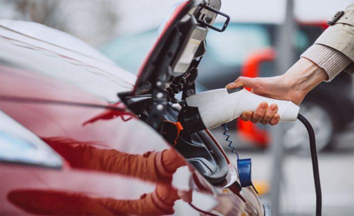 Foto 1 - Unicaja Banco lanza su primer préstamo verde para la adquisición de vehículos ecológicos