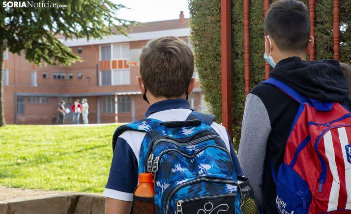 Exteriores del colegio Fuente del Rey. /María Ferrer.