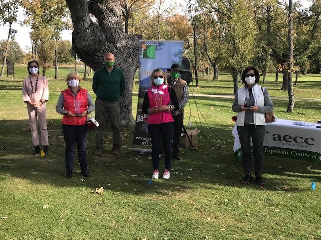 Los ganadores del IV Torneo AECC de Golf.
