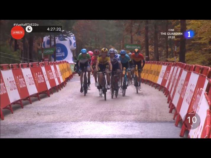 Foto 2 - Vuelta a España: Dan Martin gana en Soria en la inédita subida a la Laguna Negra