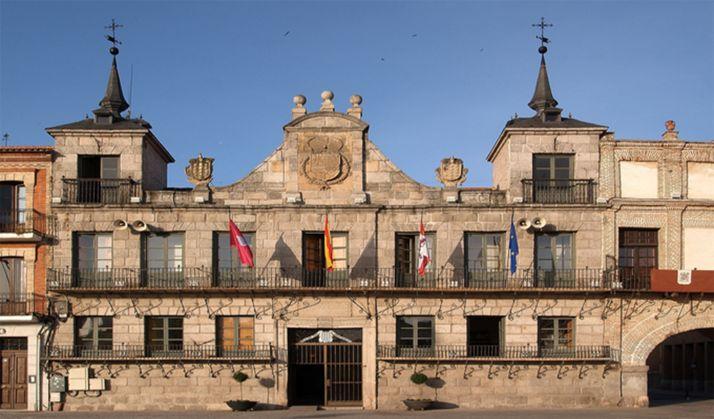Una imagen del ayuntamiento de la localidad vallisoletana.