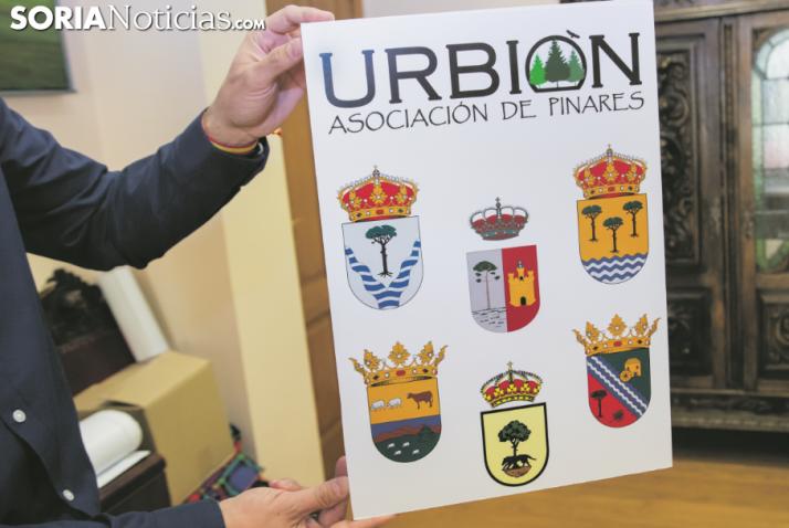 Cartel de la Asociación de los Pueblos de Urbión. /María Ferrer