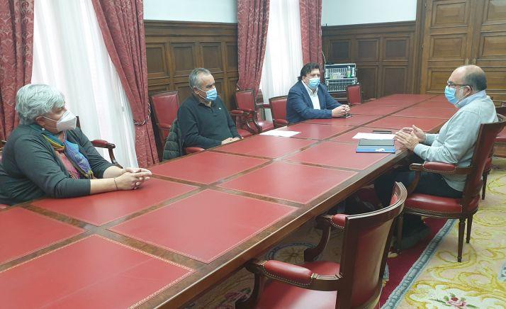 Pilar del Olmo, Joaquín Martínez y Jesús Cedazo en su reunión con Miguel Latorre. /SdG