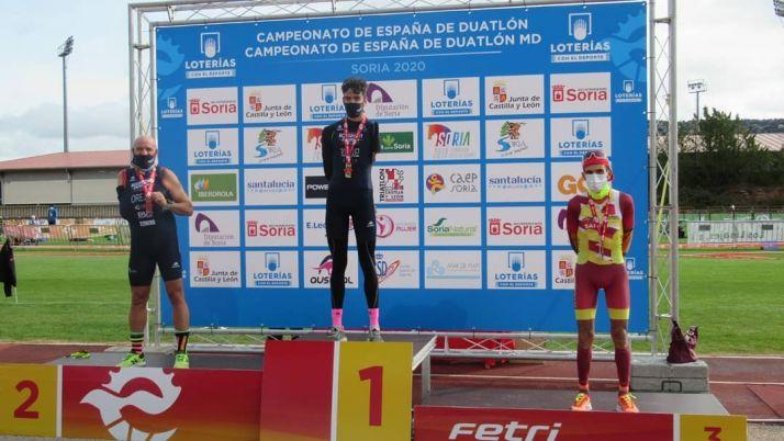 Foto 2 - Sara Loher y Pello Osoro, campeones de España de Duatlón MD