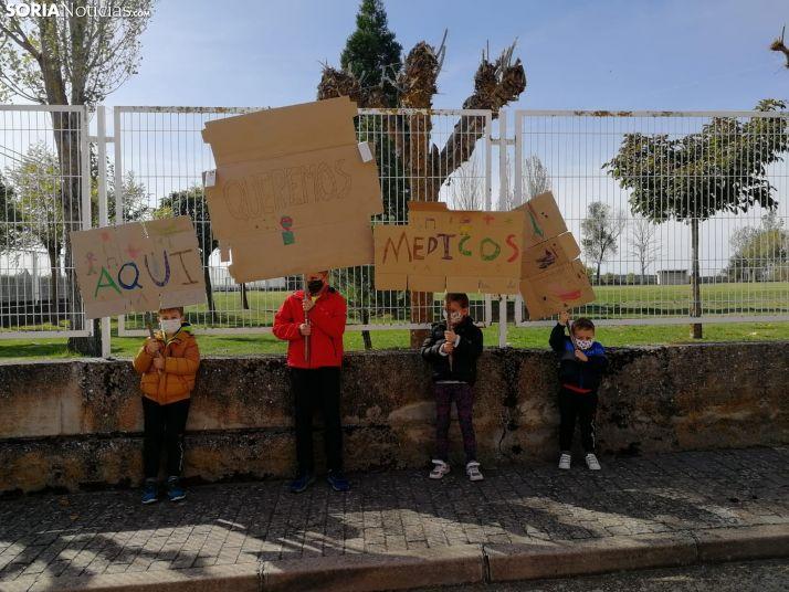 Concentración ciudadana el pasado fin de semana en Quintana Redonda pidiendo la continuidad de los facultativos.