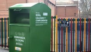 Foto 1 - La Junta promueve la campaña 'Más vidas que un gato' para implantar la recogida de residuos textiles