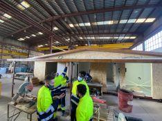 Foto 3 - FOES y Cortabitarte forman a 14 alumnos en montaje de construcciones de madera e insertan laboralmente al menos, al 50%