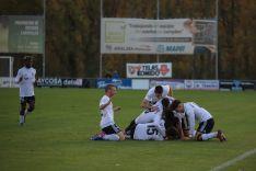 Los jugadores del Burgos celebran el tanto. Foto de @Franco_Caselli