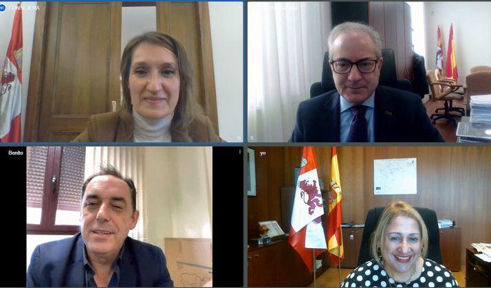 Lucas, (arriba izda.), Sigüenza, Serrano y De Gregorio en la reunión telemática mantenida este martes. /Jta.